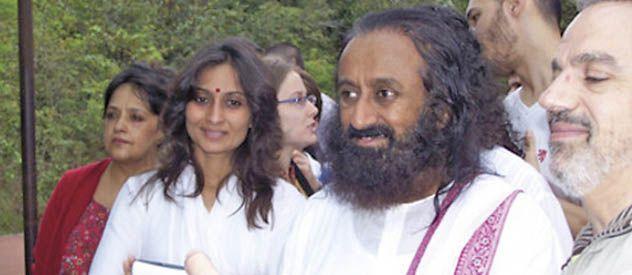 Sri Sri Ravi Shankar debió esperar tres horas en el aeropuerto Carlos Eduardo Krause