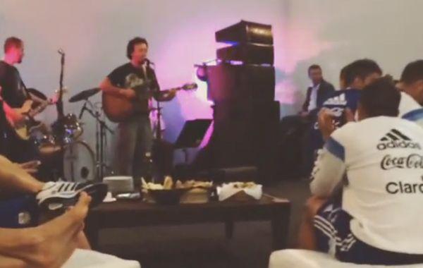 Pocho subió a su cuenta de Instagram un video en el que se ve a los muchachos distendidos.