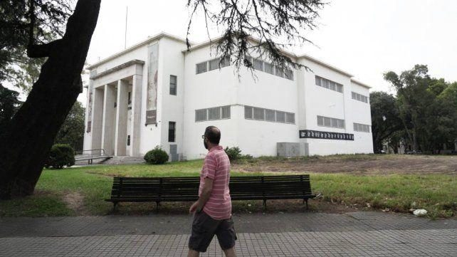 Después de quince meses sin iniciar las obras, retiraron las vallas del museo Castagnino