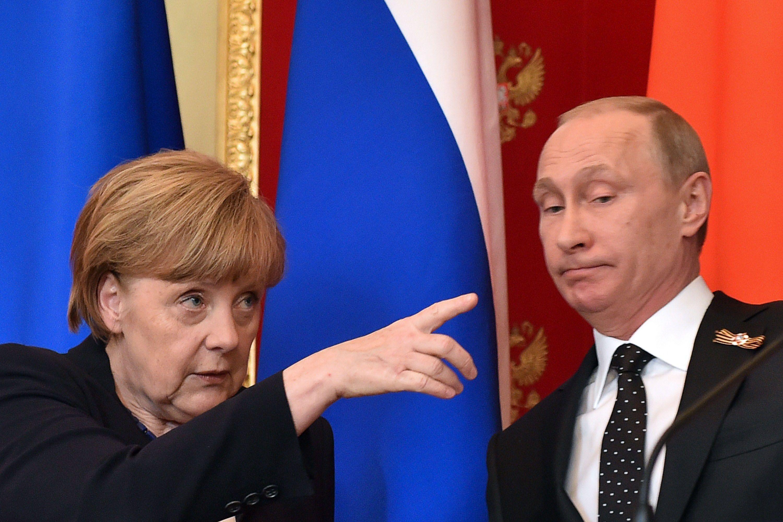 Merkel fue a Moscú y criticó en la cara a Putin por invadir Ucrania