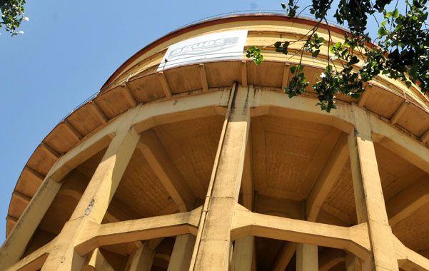 Hacia arriba. La empresa concesionaria del servicio de agua potable está en condiciones de aplicar una suba tarifaria. (foto: Celina Mutti Lovera)