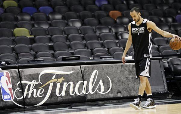 Manu Ginóbili fue la gran figura de los Spurs en el último partido