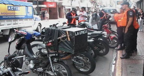 Secuestran 180 motos en un operativo para prevenir las salideras en el centro de Rosario