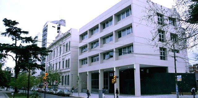 UNR - Facultad de Cs. Económicas y Estadística