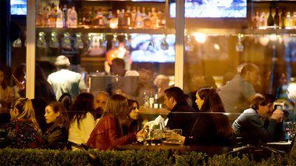 Otros tiempos. La actividad de los bares y restaurantes fue una de las más golpeadas por el coronavirus.