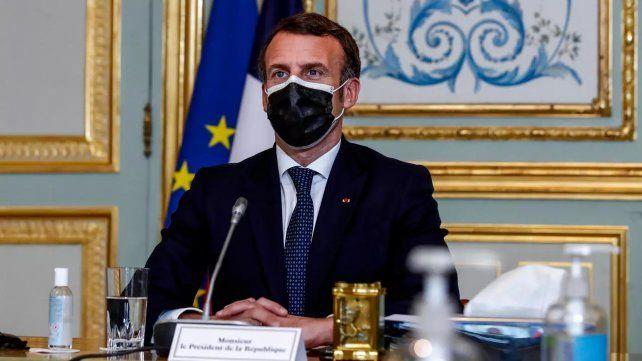 El mandatario francés abogó también la donación de vacunas a los países pobres.