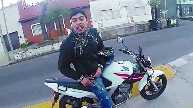 Detuvieron por violencia de género al motochorro que hace siete años asaltó a un turista canadiense