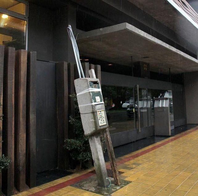 Los constructores de Rosario denuncian el retraso en la regularización de las conexiones al servicio de energía.