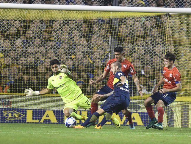 Benedetto convierte el segundo. Boca está cada vez más cerca.