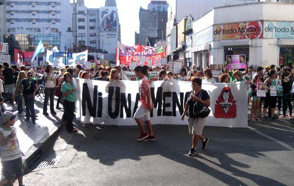 La marcha organizado por la Multisectorial de Mujeres fue multitudinaria (Foto: Angel Amaya)