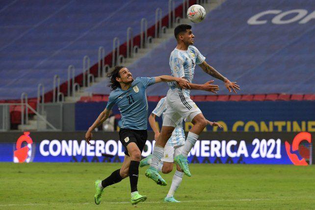El seleccionado argentino fue práctico y logró un triunfo muy necesario ante Uruguay