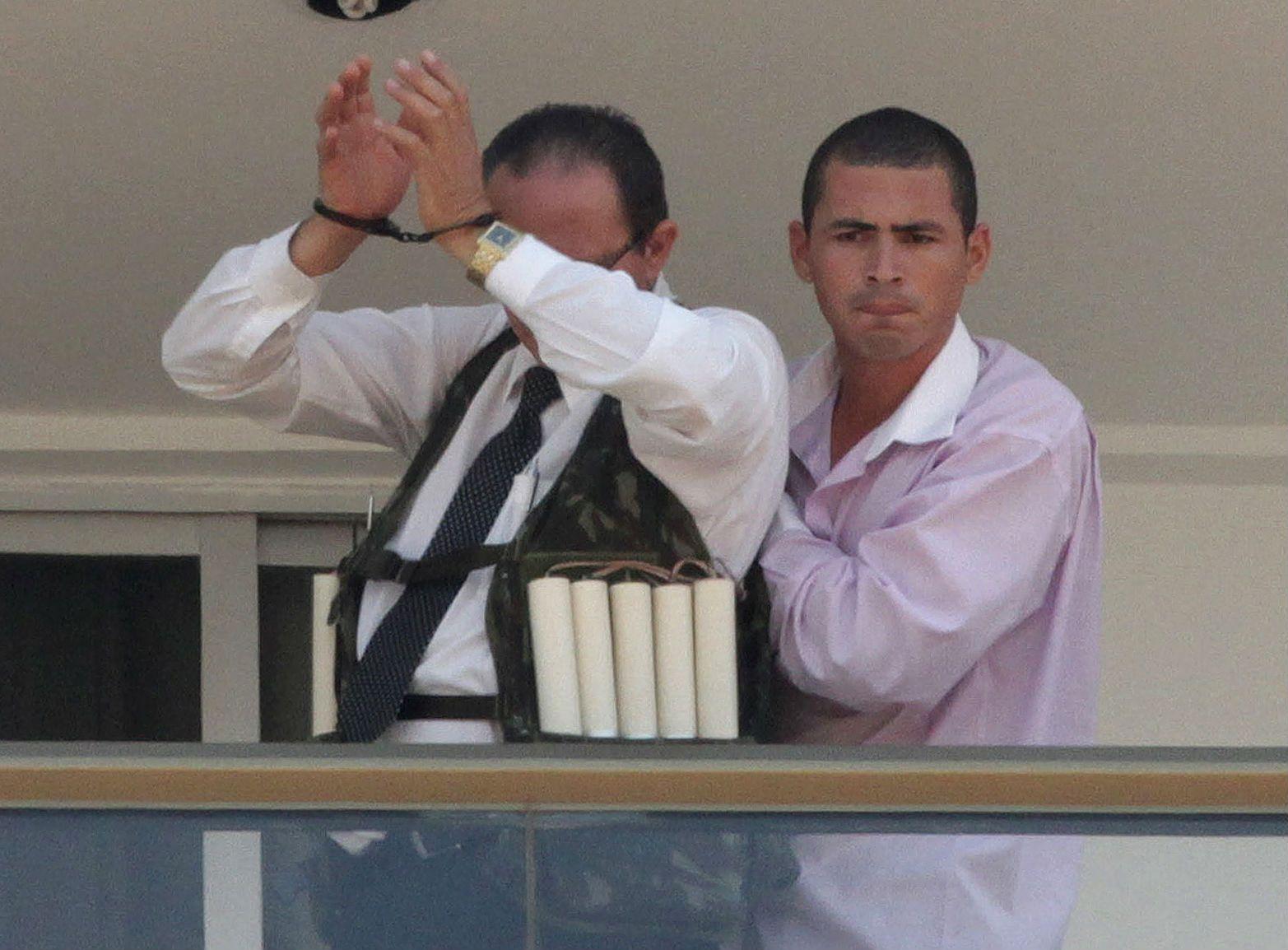 Un sujeto armado tomó como rehén al empleado de un hotel de capital de Brasil