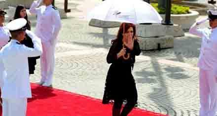 Sin acuerdo por Malvinas, Cristina se retiró de la cumbre de Colombia