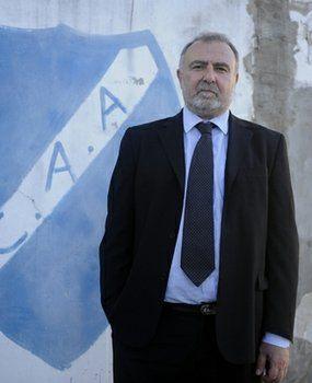 Argentino: Daniel Mariatti espera al Comité Ejecutivo para conocer la fecha del regreso a los entrenamientos en la Primera D.
