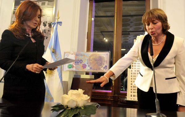 Cristina le toma juramento a la nueva jefa de los fiscales de la Nación.