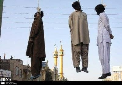 Horror. Irán aplica la horca pública.