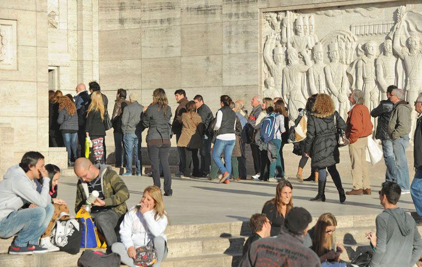 Los visitantes no quisieron perderse el Monumento por dentro