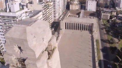 Impresionante: el Monumento, filmado con un drone acrobático