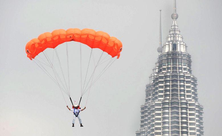 La llama olímpica inició su recorrido por Kuala Lumpur