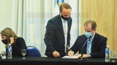 Gustavo Bordet firmó contratos de obras para cuatro escuelas y habló de las paritarias docentes mientras Agmer decide si acepta la ultima propuesta salarial