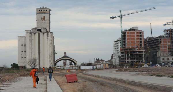 Lifschitz anunció que con esta avenida se abre una nueva cara de Rosario al río
