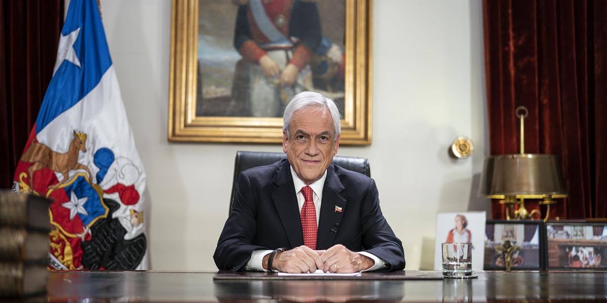 El presidente Piñera tomó la decisión luego de semanas de actos de violencia.
