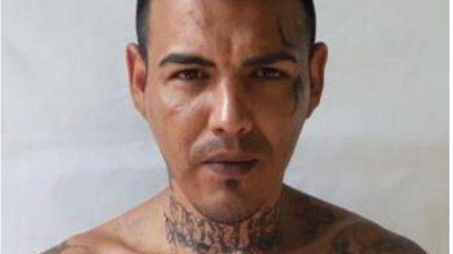 Claudio Javier Mansilla tiene 38 años y por él ofrecen 1 millón de pesos de recompensa.