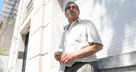 Asaltan y retienen a propietarios en un edificio vecino al Concejo