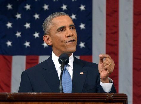 El presidente acreditó la mejoría de la economía de Estados Unidos a sus políticas económicas para la clase media.