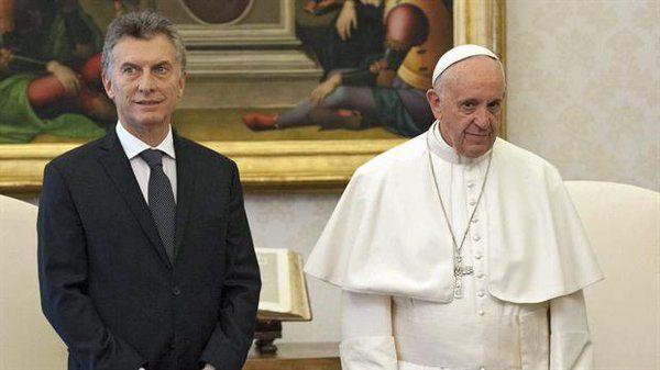 Macri tuvo un protocolar encuentro con el Papa que duró 22 minutos.