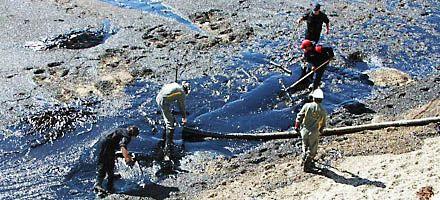 El gobierno de Chubut denunció a una terminal por el vertido de crudo