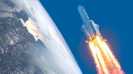 El cohete chino sigue descontrolado y no se sabe dónde caerá.