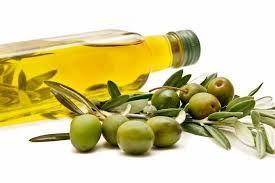 Omega. El aceite de oliva contiene el tipo de grasas saludable.
