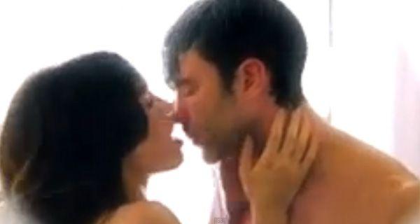 Lali Espósito y Mariano Martínez a los besos y desnudos bajo la ducha
