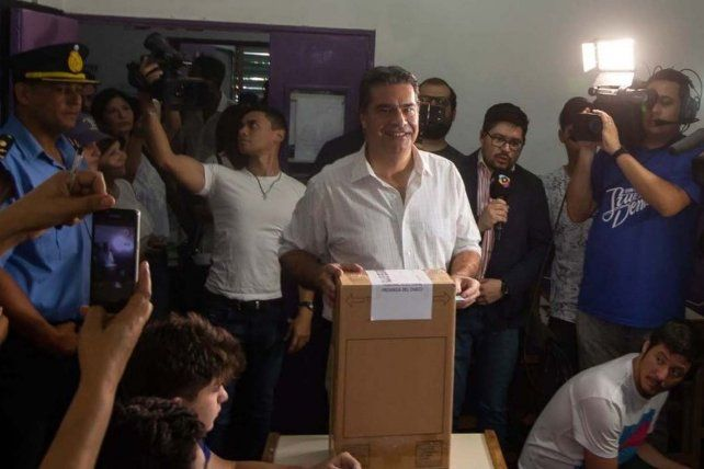 Capitanich se declaró ganador de la elección por la gobernación de Chaco
