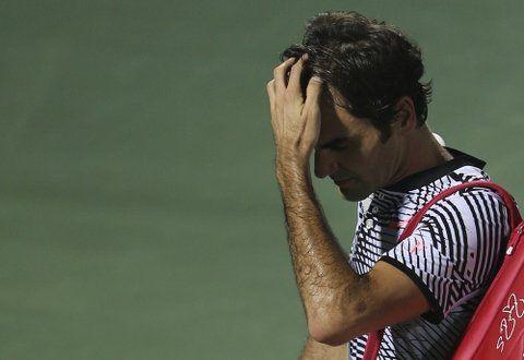 Golpe fuerte. El suizo reconoció el dolor por la caída ante Donskoy.