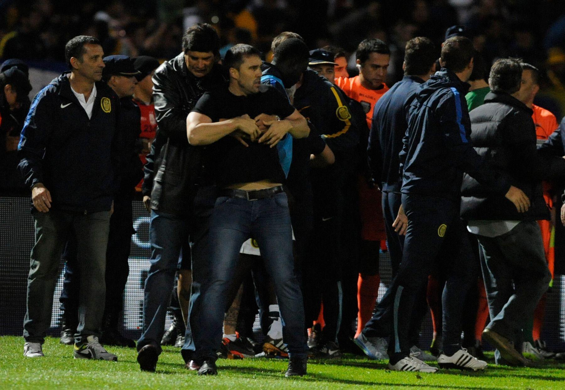 El entrenador canalla tras su reclamo hacia el árbitro Ceballos luego de la final.