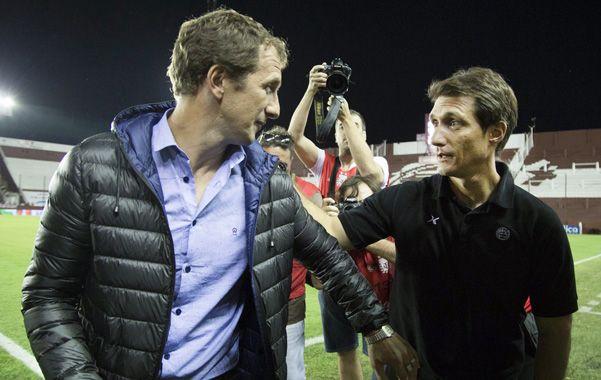 El entrenador Rodolfo Arruabarrena se despidió ayer del plantel de Boca.