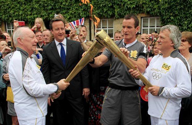La antorcha llegó a Londres, a días de los Juegos