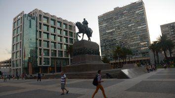 La plaza Independencia, en pleno centro de Montevideo, es uno de los sitios tradicionales de esa ciudad.