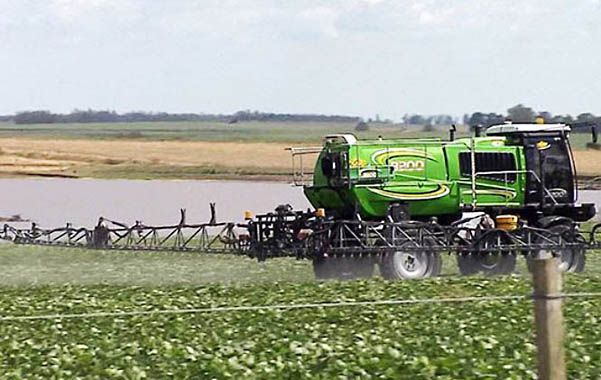 Fumigaciones. Se afianzan los estudios sobre la toxicidad y los peligros de los agroquímicos.