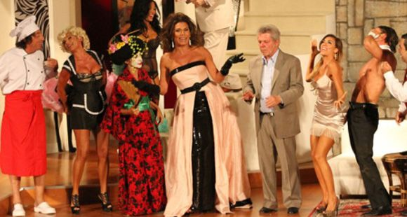 Las fotos del exitoso estreno de Flor de la V en Carlos Paz
