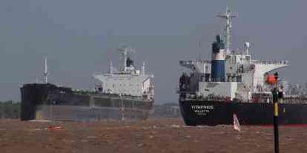Está frenado el ingreso de granos a los puertos de Rosario y la región
