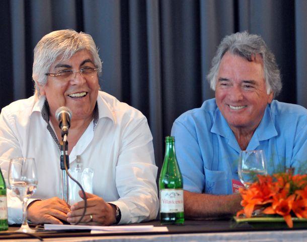 Moyano y Barrionuevo no participaron del anuncio de la medida de fuerza.