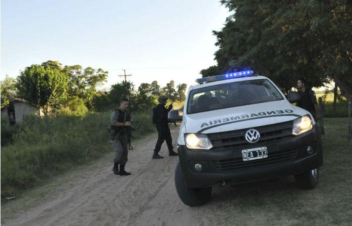 Agentes de Gendarmería y de la policía provincial continuaban con los rastrillajes.