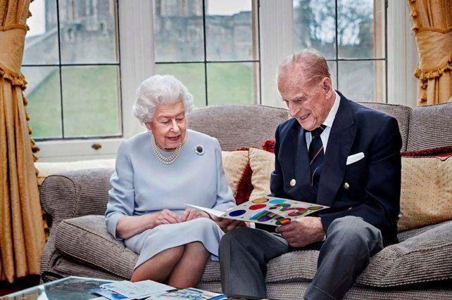La última imagen oficial, la reina y Felipe fueron fotografiados juntos en noviembre de 2020.