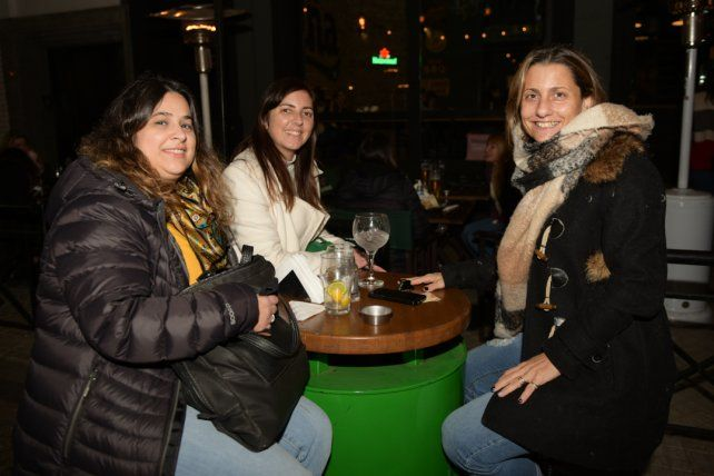 Celeste Robert, Betina Salas y Cecilia Peirone.