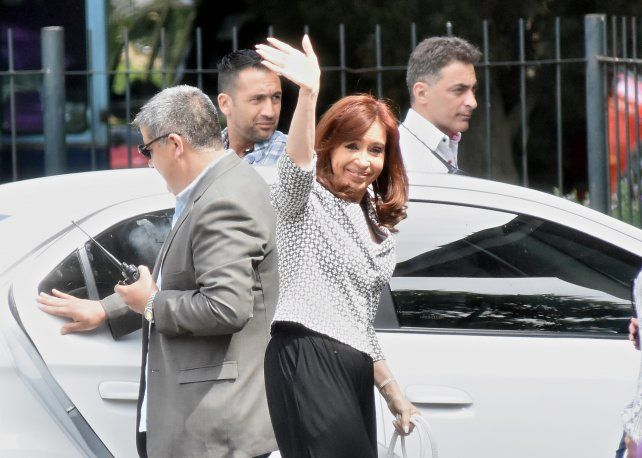 La expresidenta Cristina Fernández de Kirchner se presentó a declarar hoy en Comodoro Py.