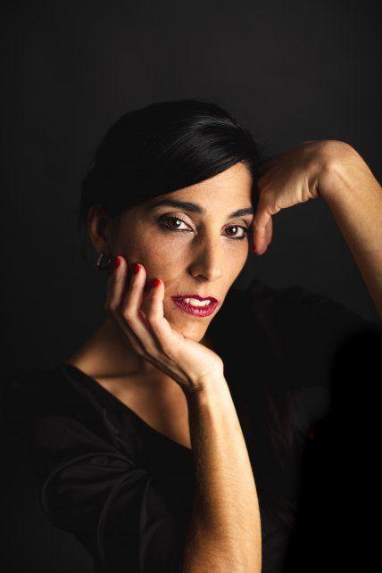 "Aye Prado. La autora rosarina lanzó ""Por esas cosas"""