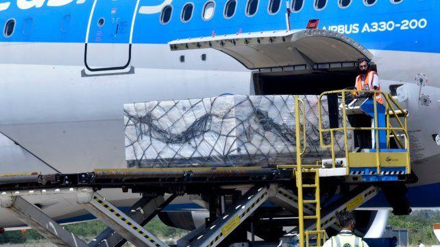 Dos aviones de Aerolíneas Argentinas viajaron a China para buscar miles de dosis de la vacuna Sinopharm.